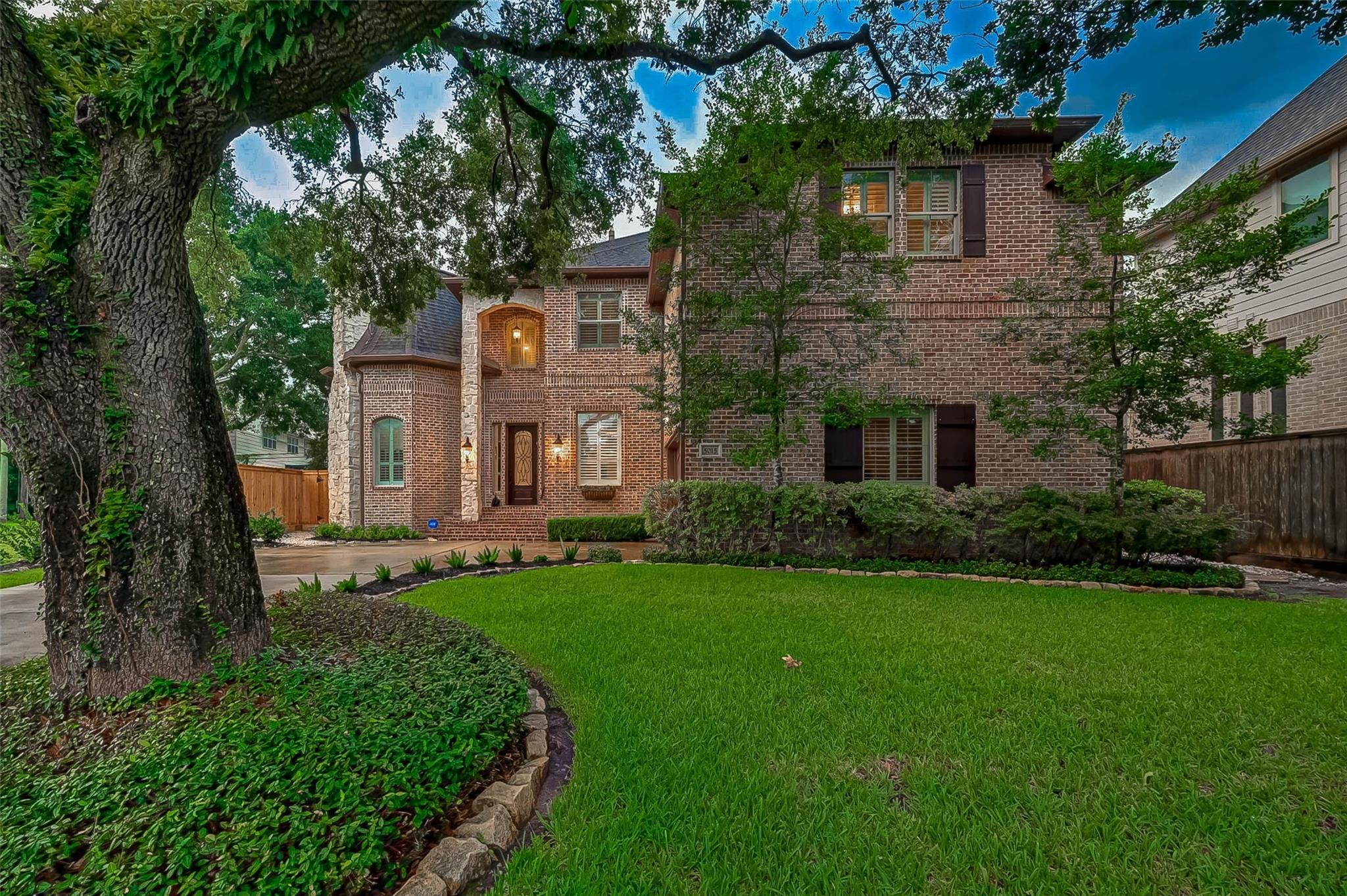 5015 Jackwood Street Property Photo 1