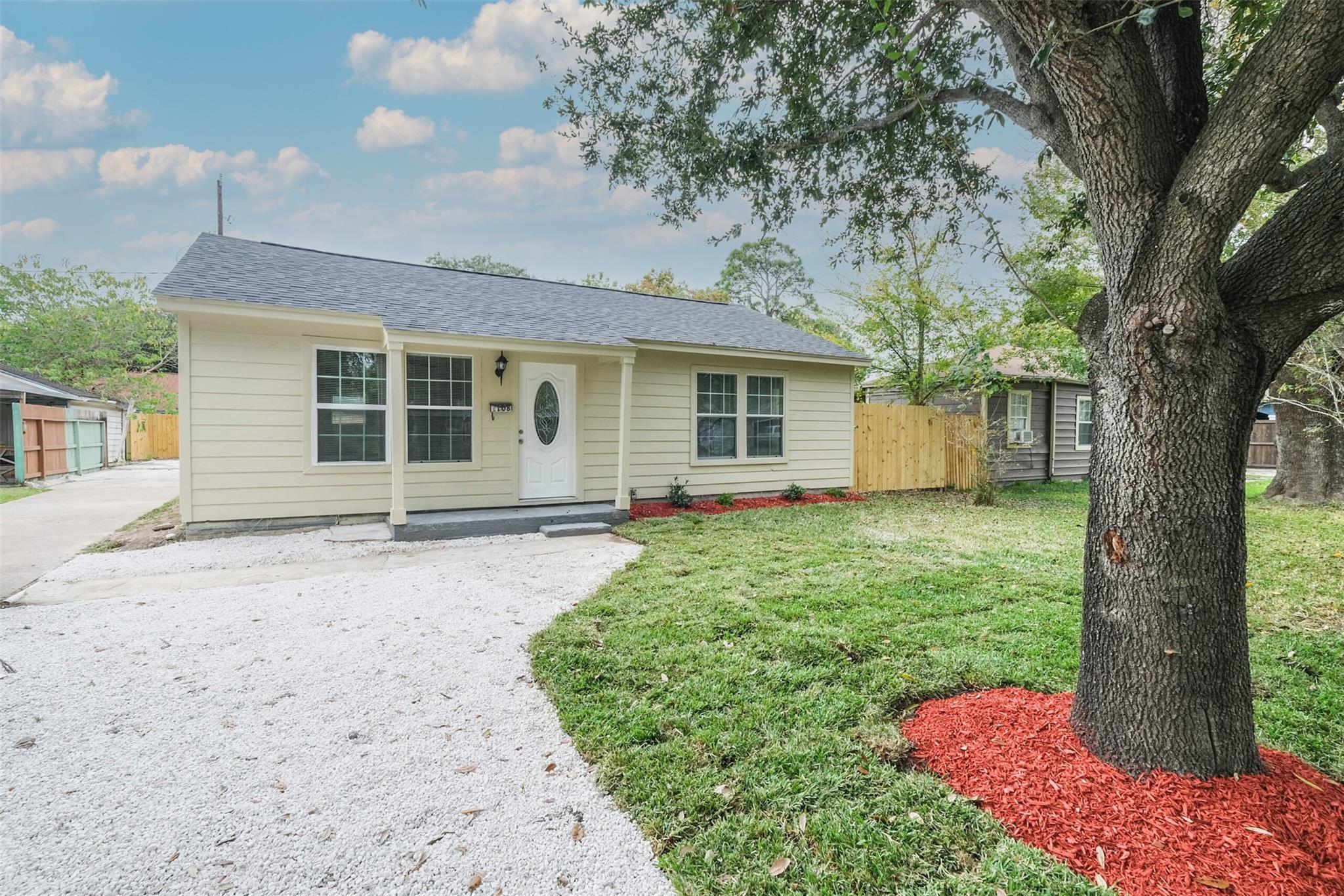2108 6 Street Property Photo - Galena Park, TX real estate listing
