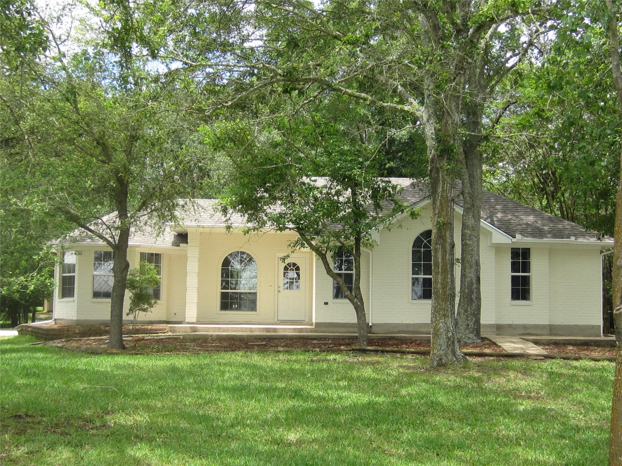 11406 Lakeshore Drive Property Photo