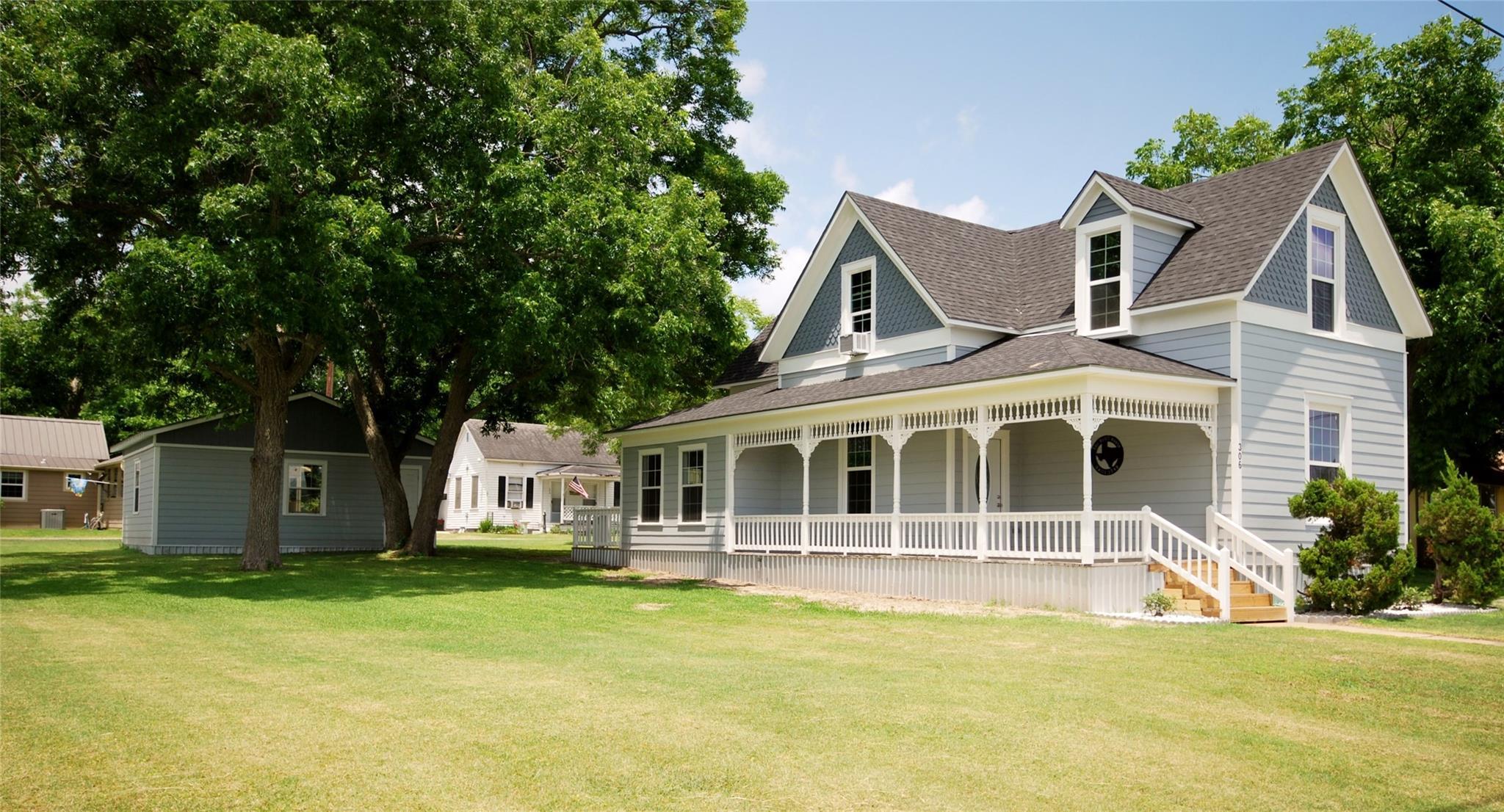 306 S Main Street Property Photo - Moulton, TX real estate listing