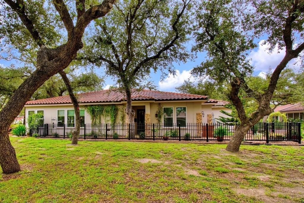 1304 Villas Drive Property Photo - Fulton, TX real estate listing