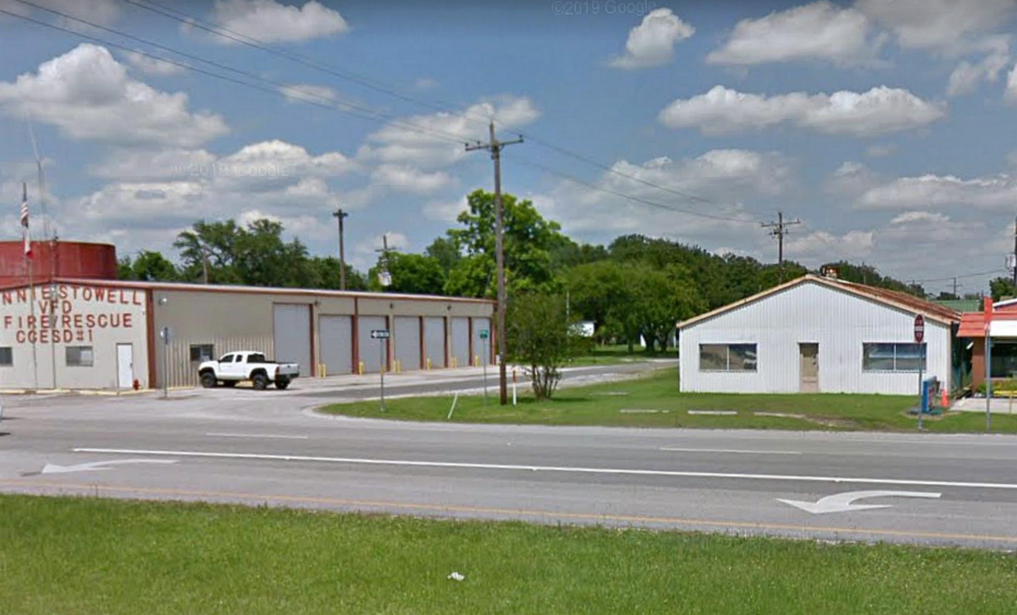 118 Walnut Avenue Property Photo - Winnie, TX real estate listing