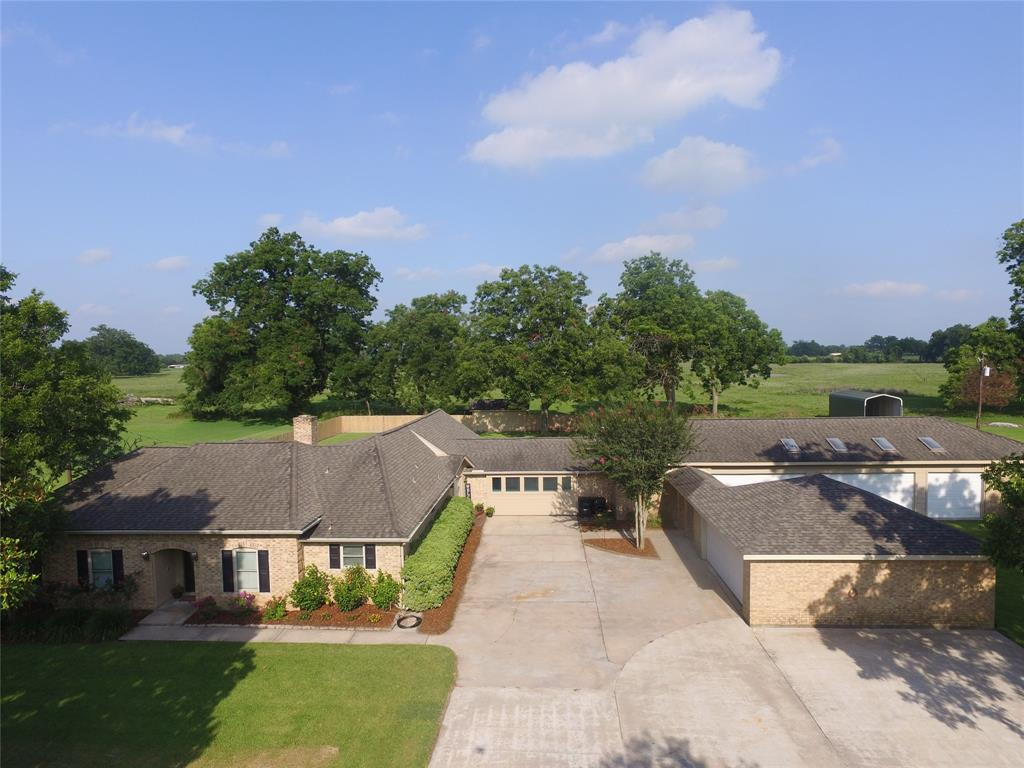 352 Caney Trail Drive Property Photo - Wharton, TX real estate listing