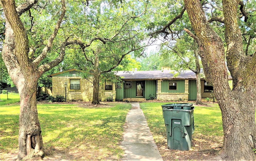 4131 Lakeshore Drive Property Photo - Port Arthur, TX real estate listing