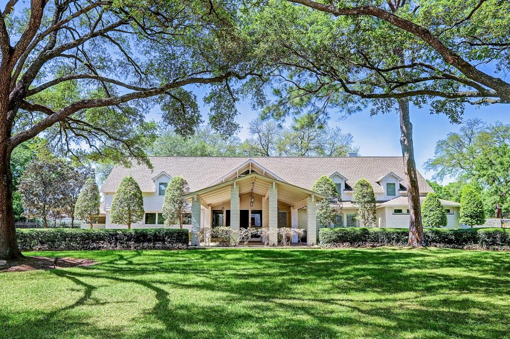 5524 Sturbridge Drive Property Photo - Houston, TX real estate listing