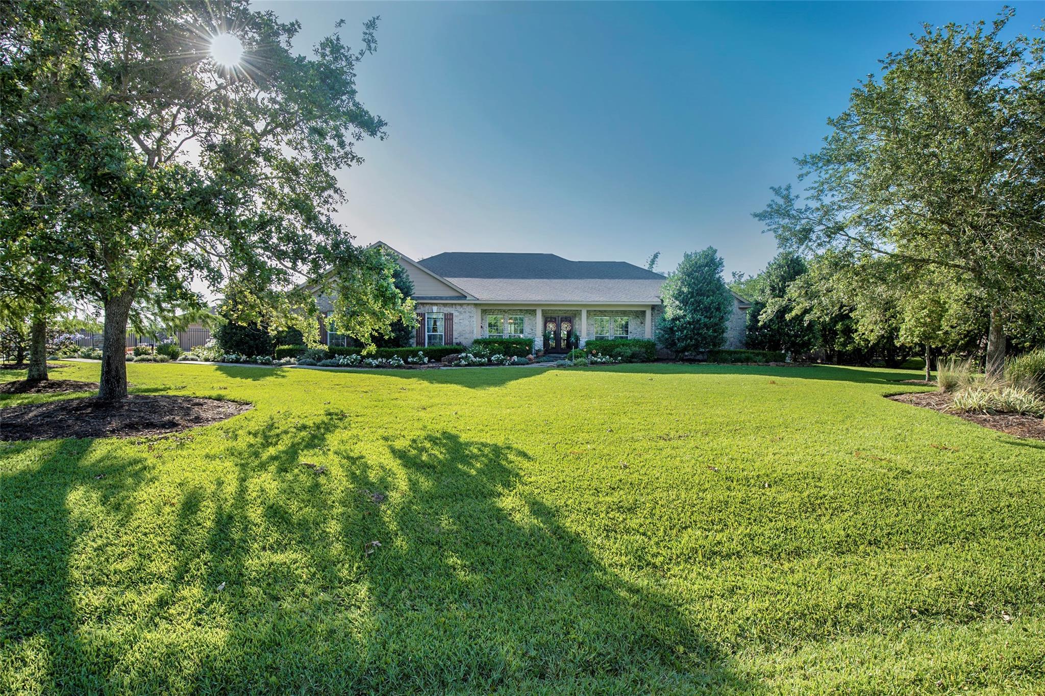 310 Quail Ridge Lane Property Photo - Dickinson, TX real estate listing