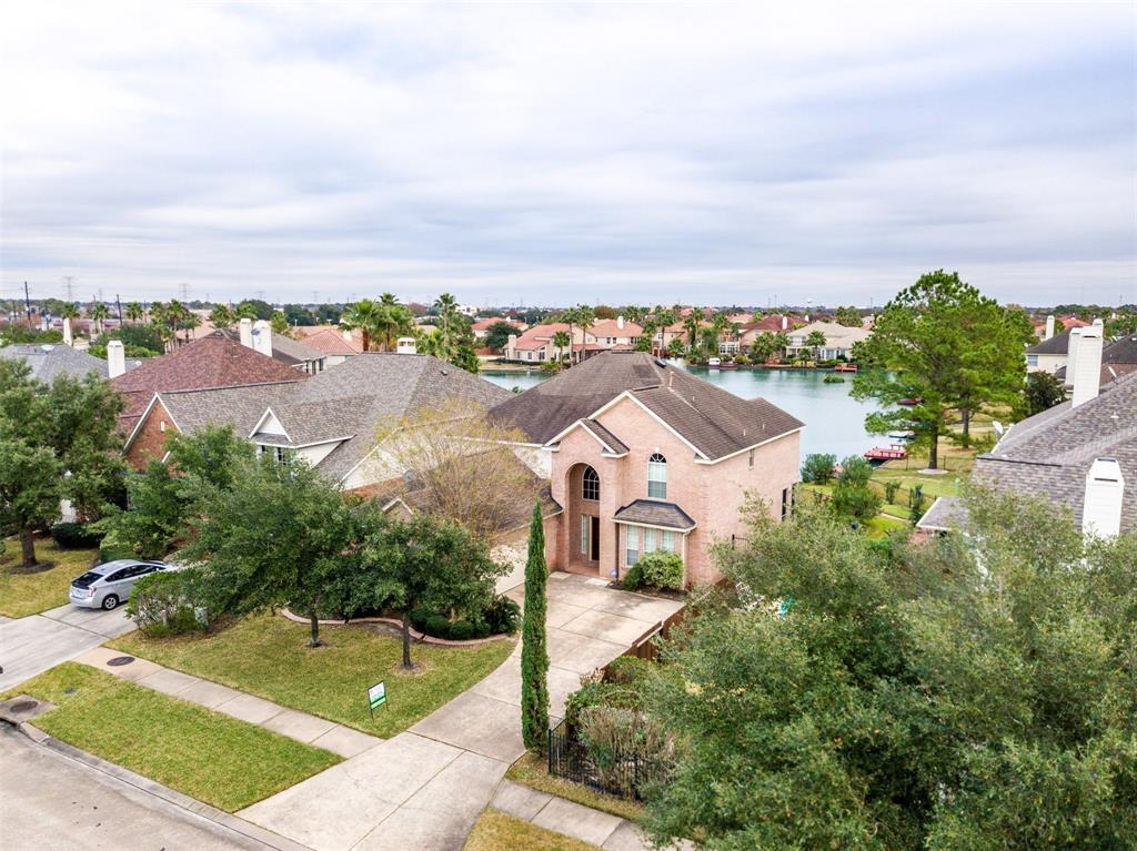 10306 Sand Dollar Drive Property Photo - Houston, TX real estate listing