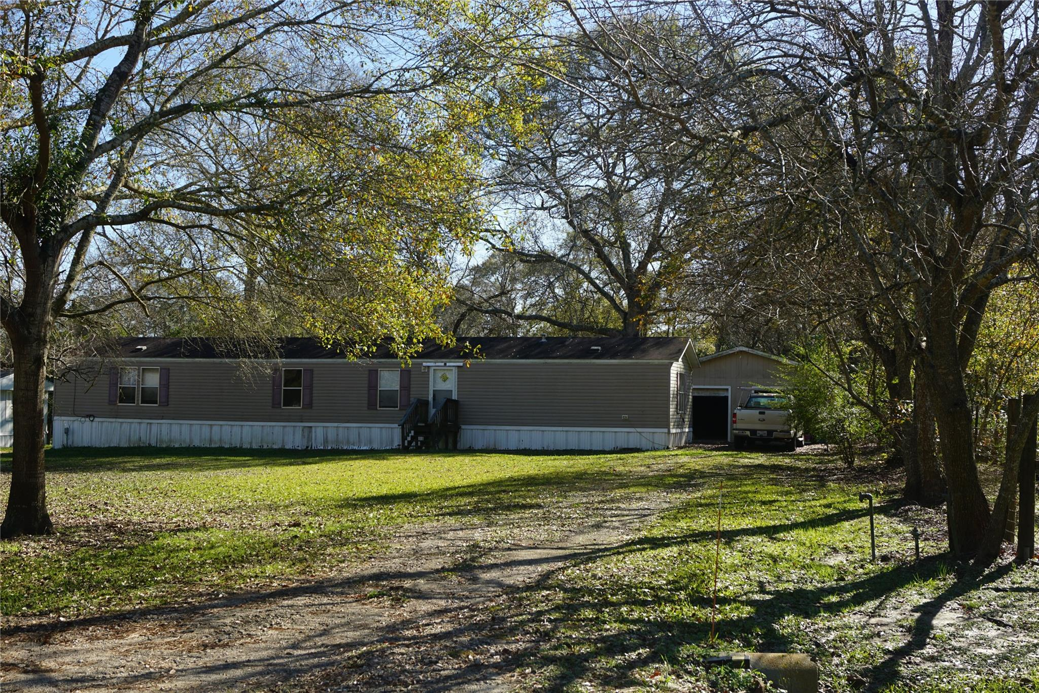 507 Bryan County Rd 264W Street Property Photo - Damon, TX real estate listing