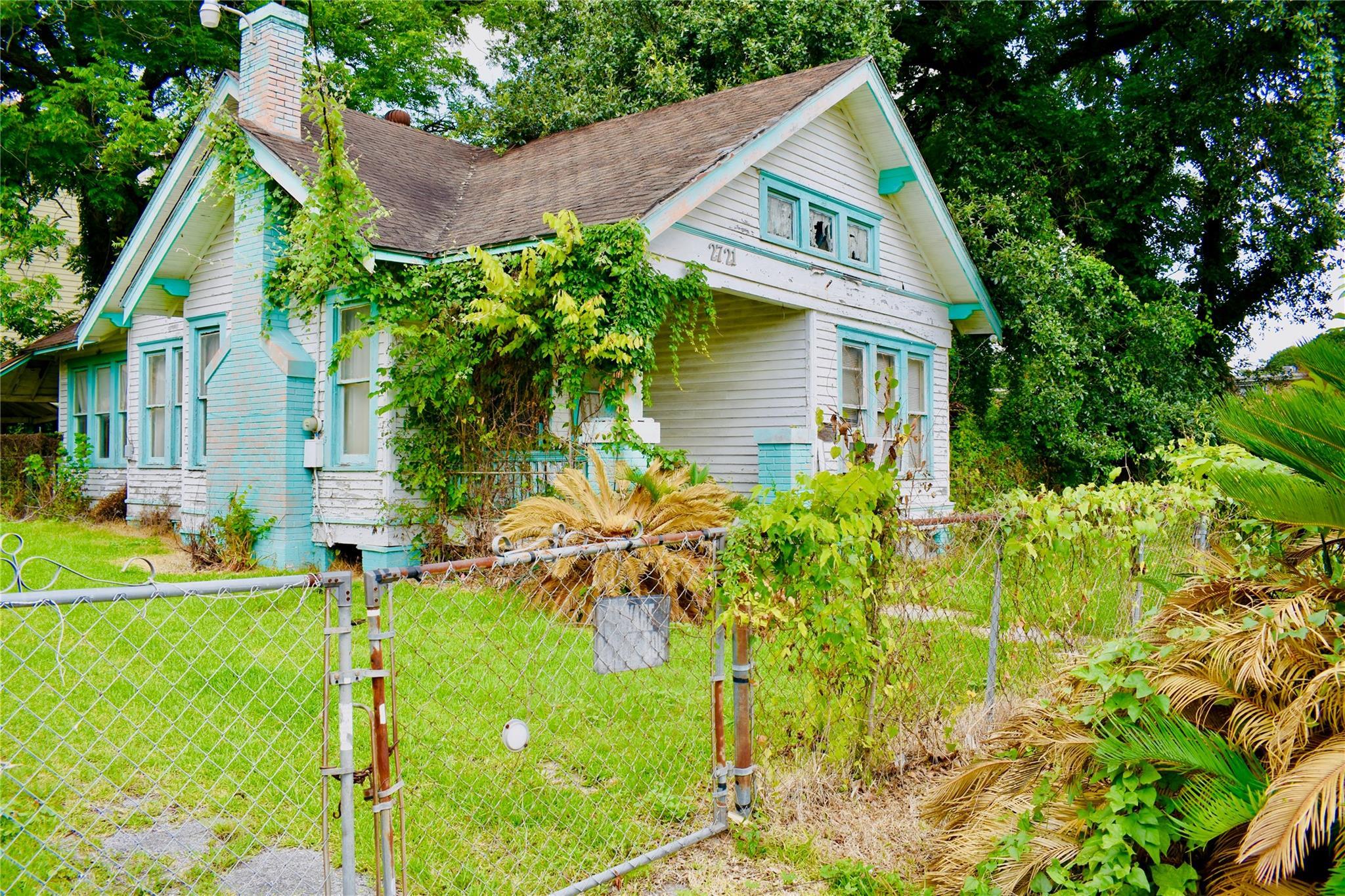 2721 Morrison Street Property Photo