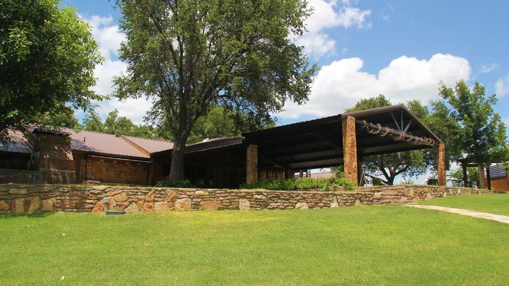 4153 W US Highway 190 Property Photo - San Saba, TX real estate listing
