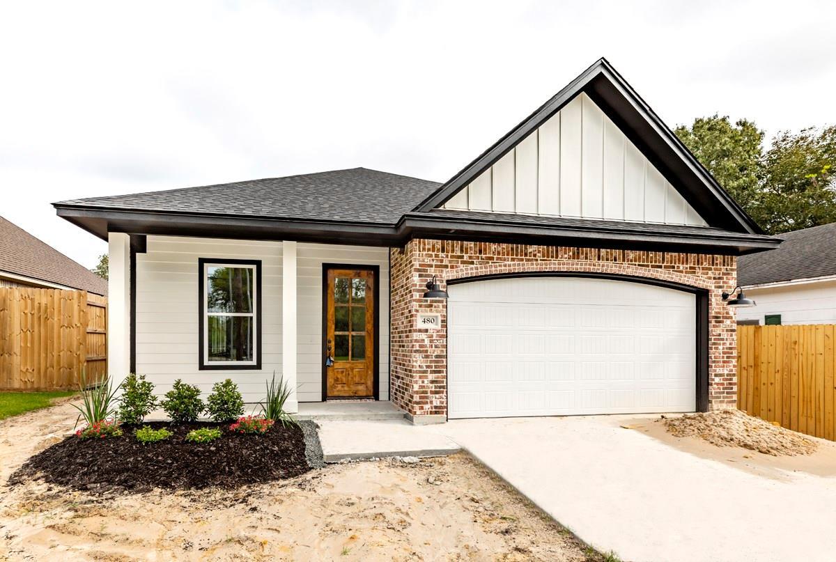 480 W Hooks Street Property Photo - Sour Lake, TX real estate listing