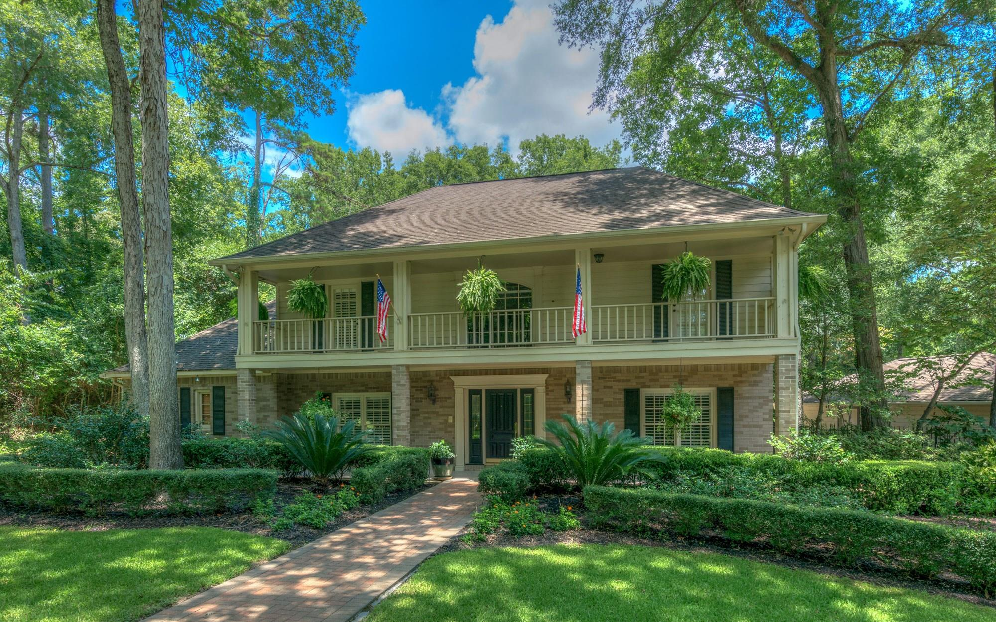 10022 Shady Hollow Drive Property Photo - Conroe, TX real estate listing
