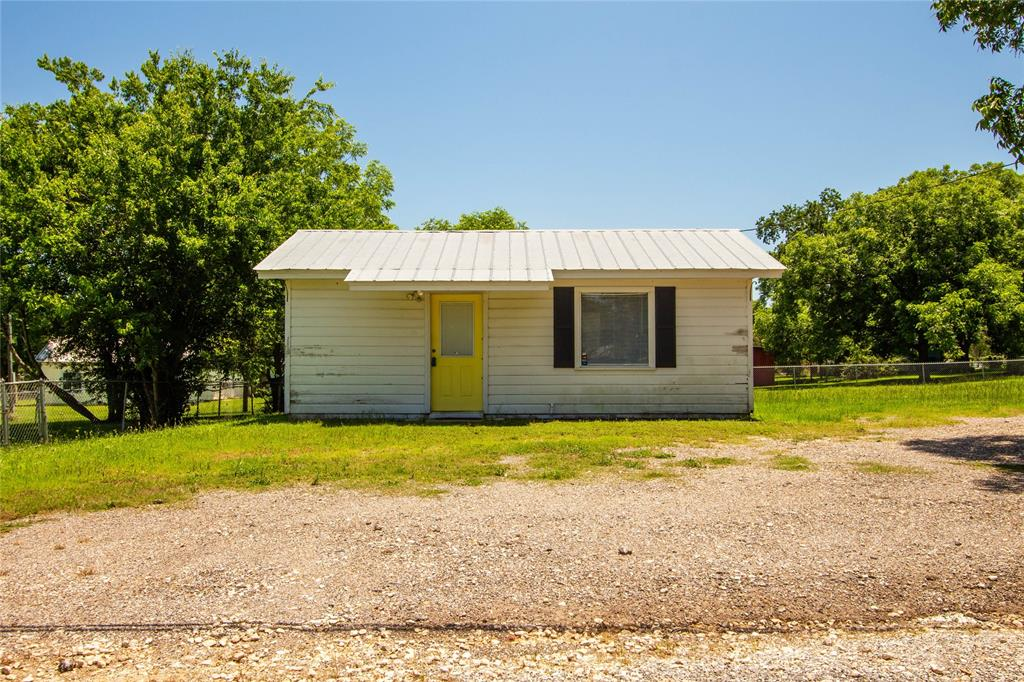 203 E OSR Property Photo - Caldwell, TX real estate listing