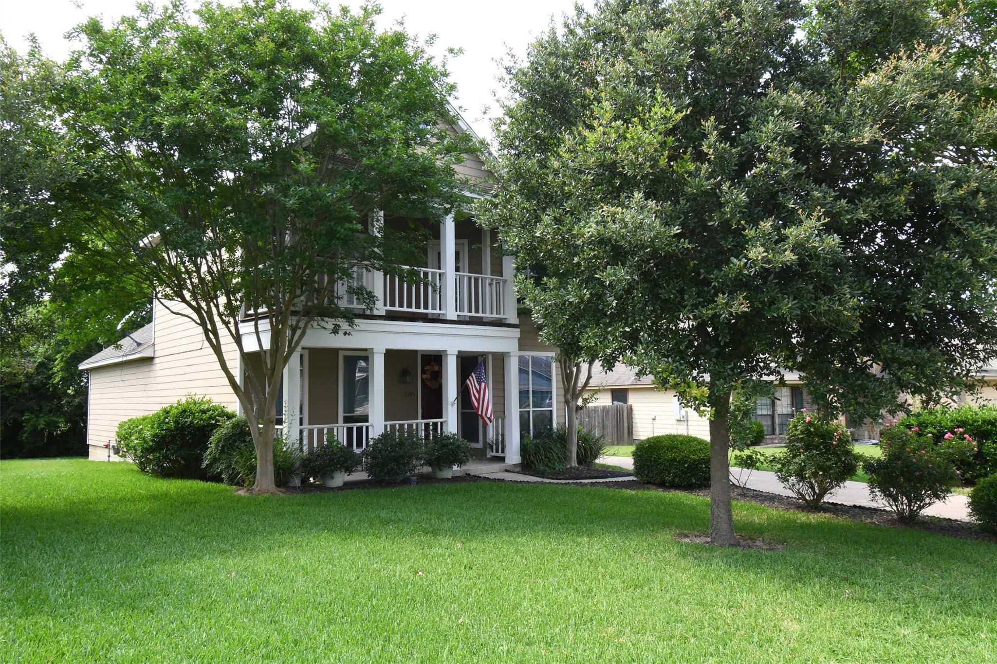 2105 Springwood Drive Property Photo - Brenham, TX real estate listing