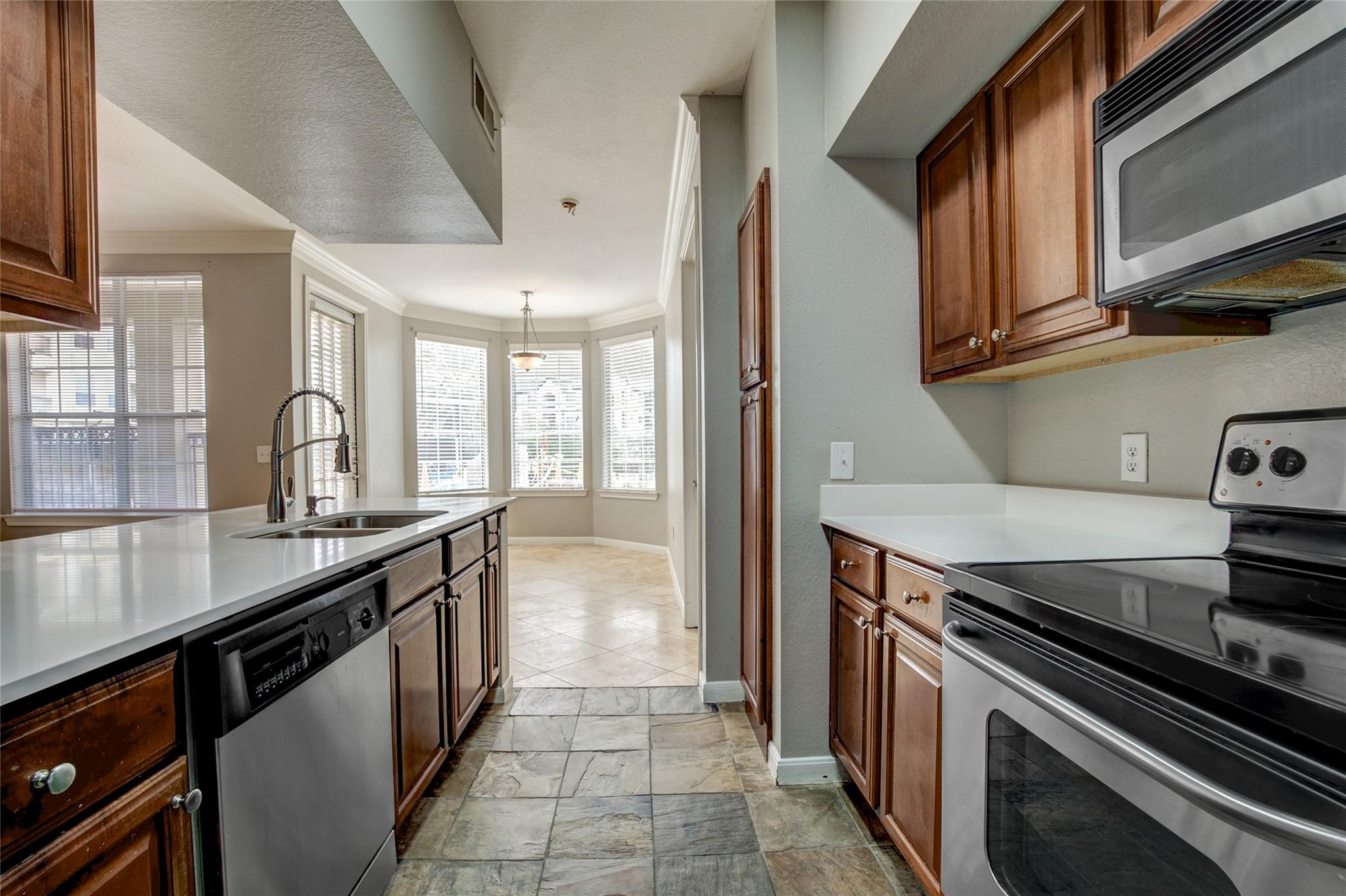 7575 Kirby Drive #1101 Property Photo - Houston, TX real estate listing