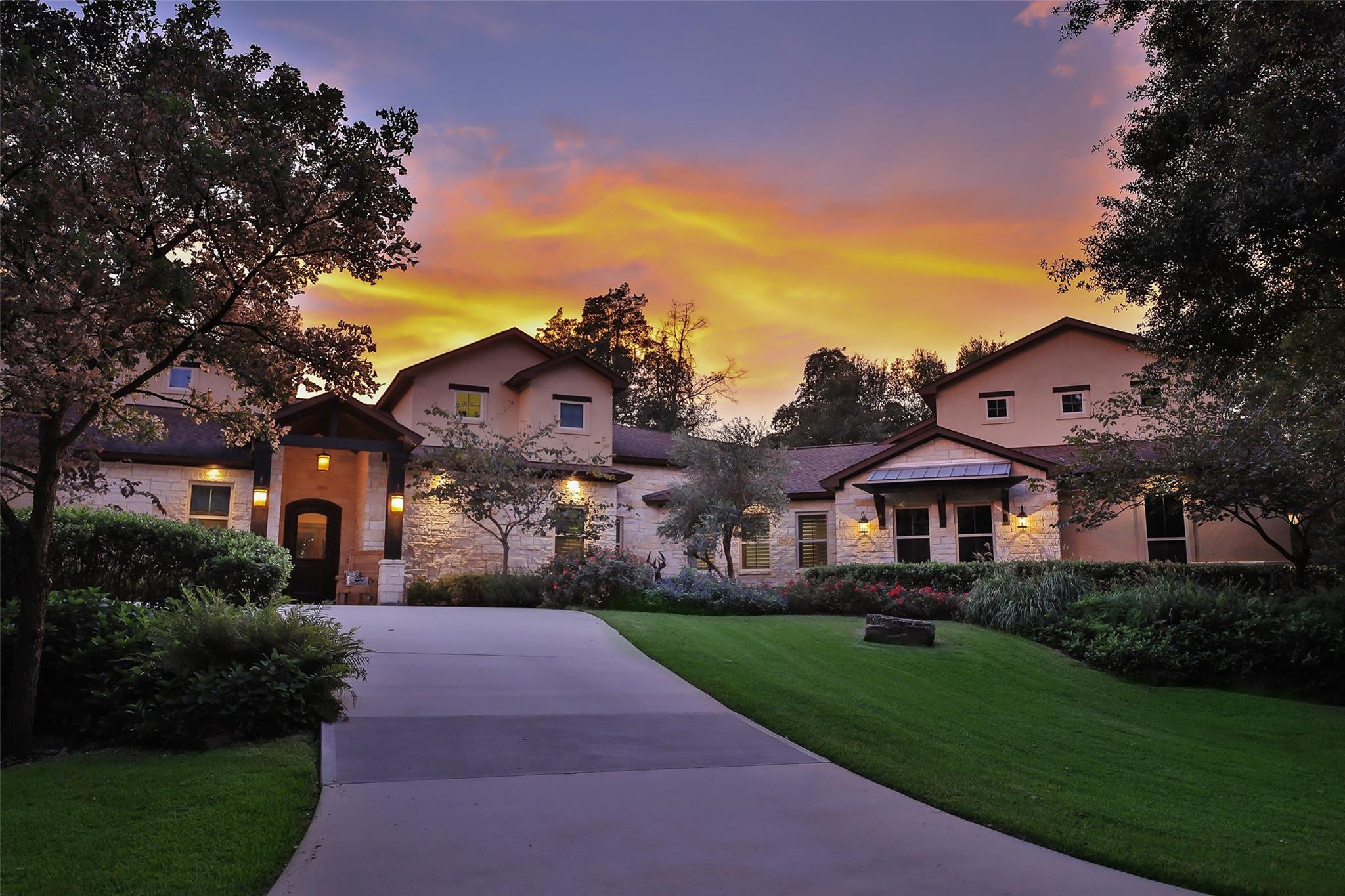 7 Huntington Woods Estates Drive Property Photo