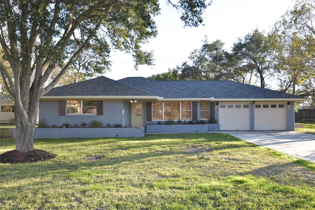 403 Shore Acres Boulevard, Shoreacres, TX 77571 - Shoreacres, TX real estate listing