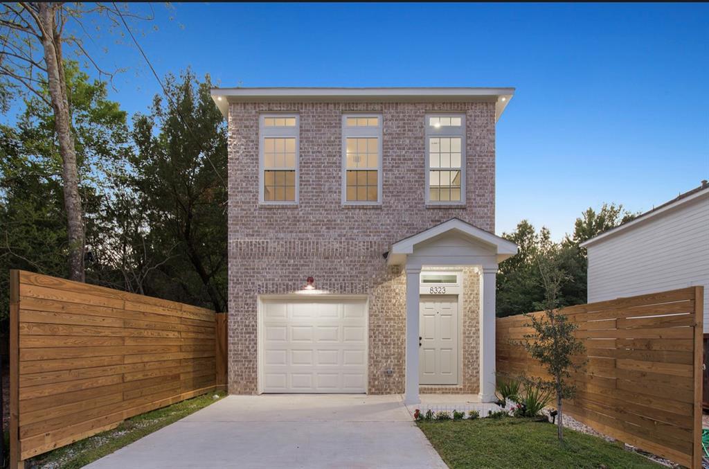 8323 Sunnyhill Street Property Photo - Houston, TX real estate listing
