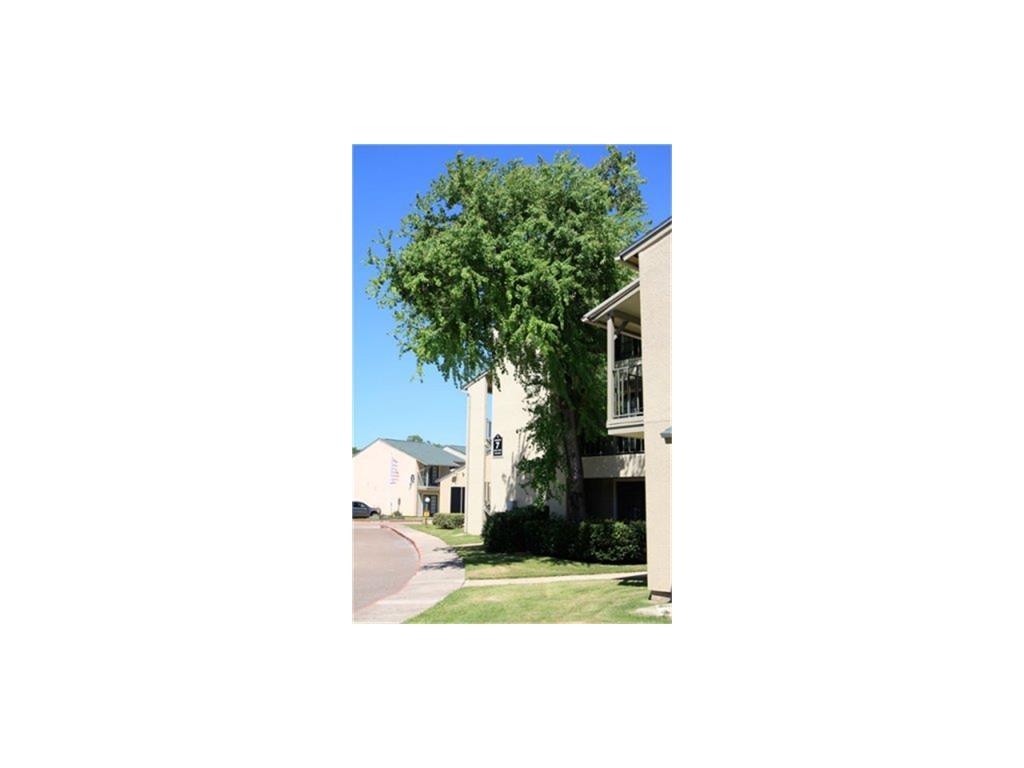 2008 Sam Houston Property Photo