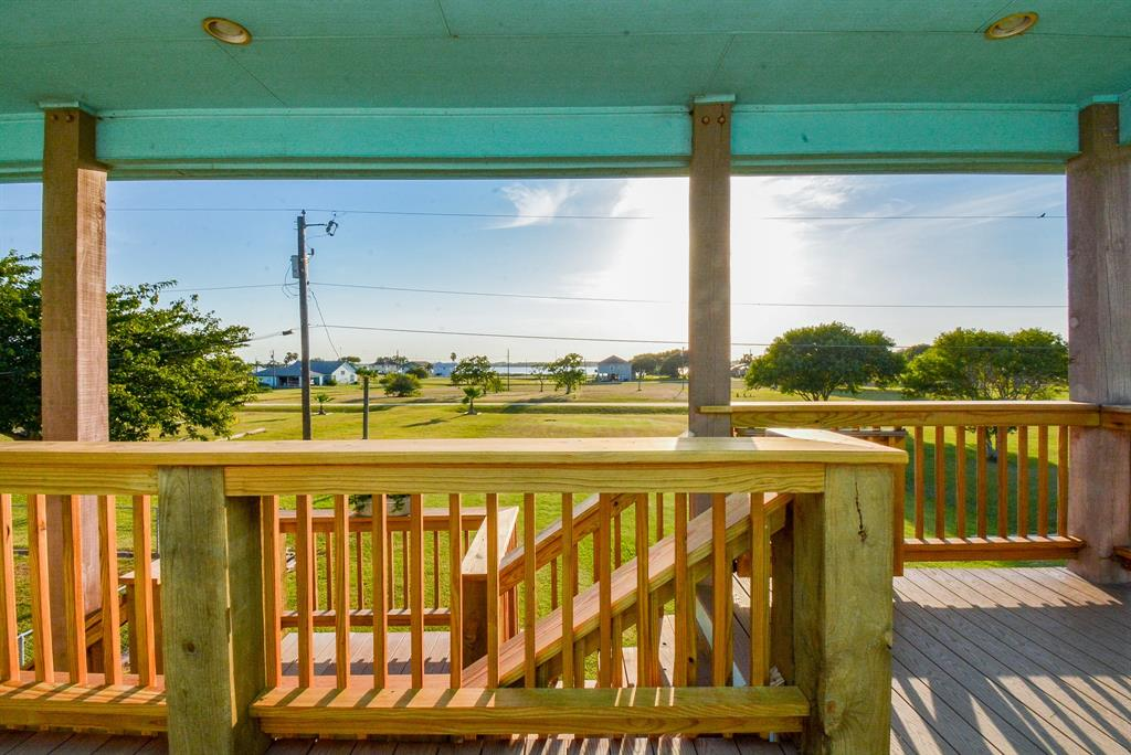 564 Buckskin Drive Property Photo - Palacios, TX real estate listing