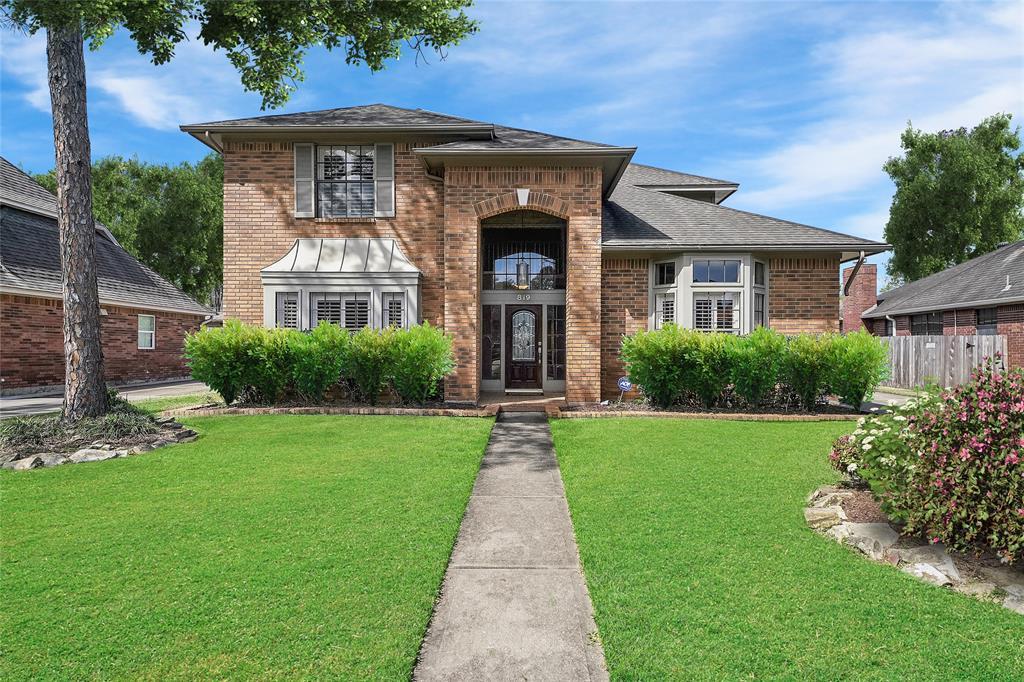 819 Quiet Spring Lane, Houston, TX 77062 - Houston, TX real estate listing