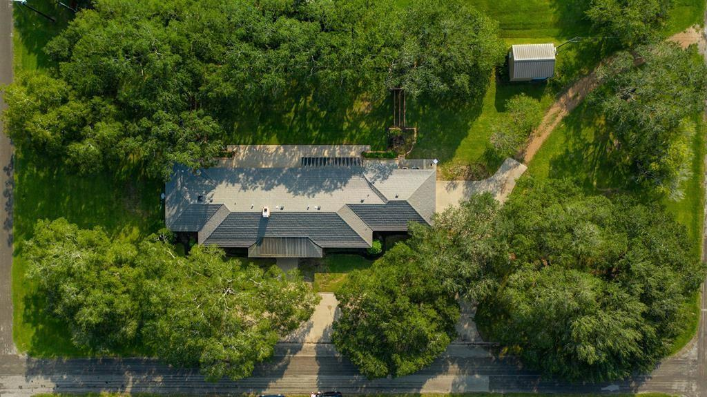 2305 Sims Street Property Photo - Bay City, TX real estate listing