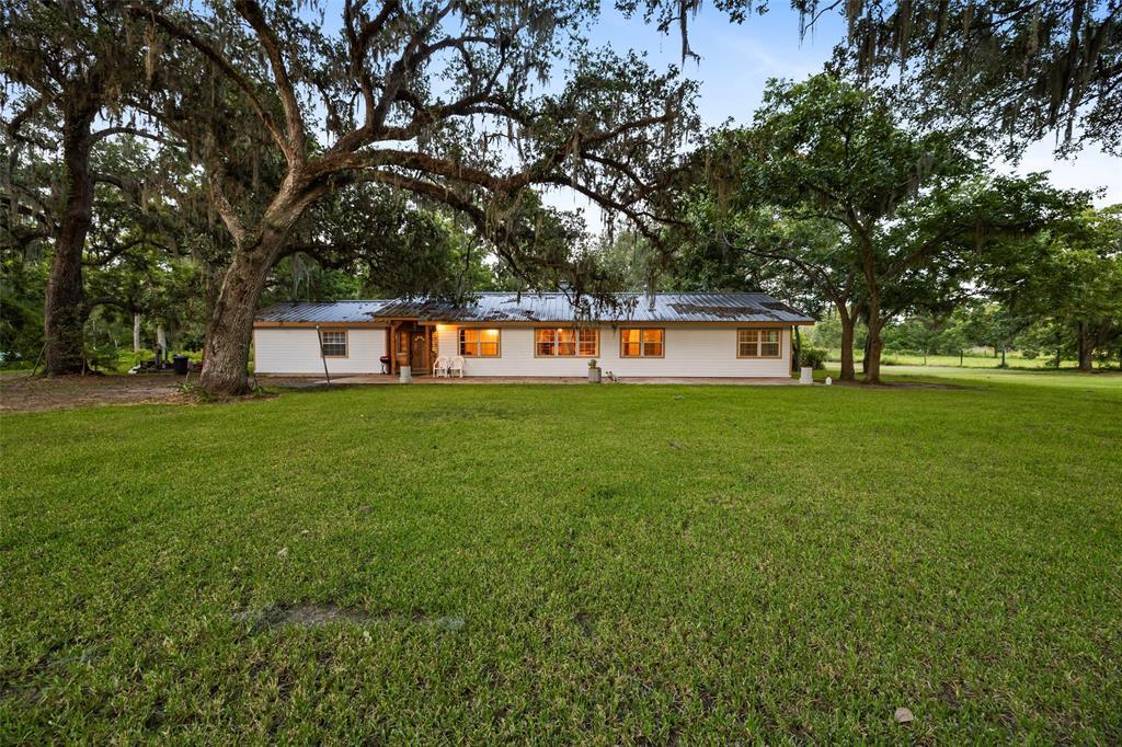 5058 County Road 517 Property Photo - Brazoria, TX real estate listing