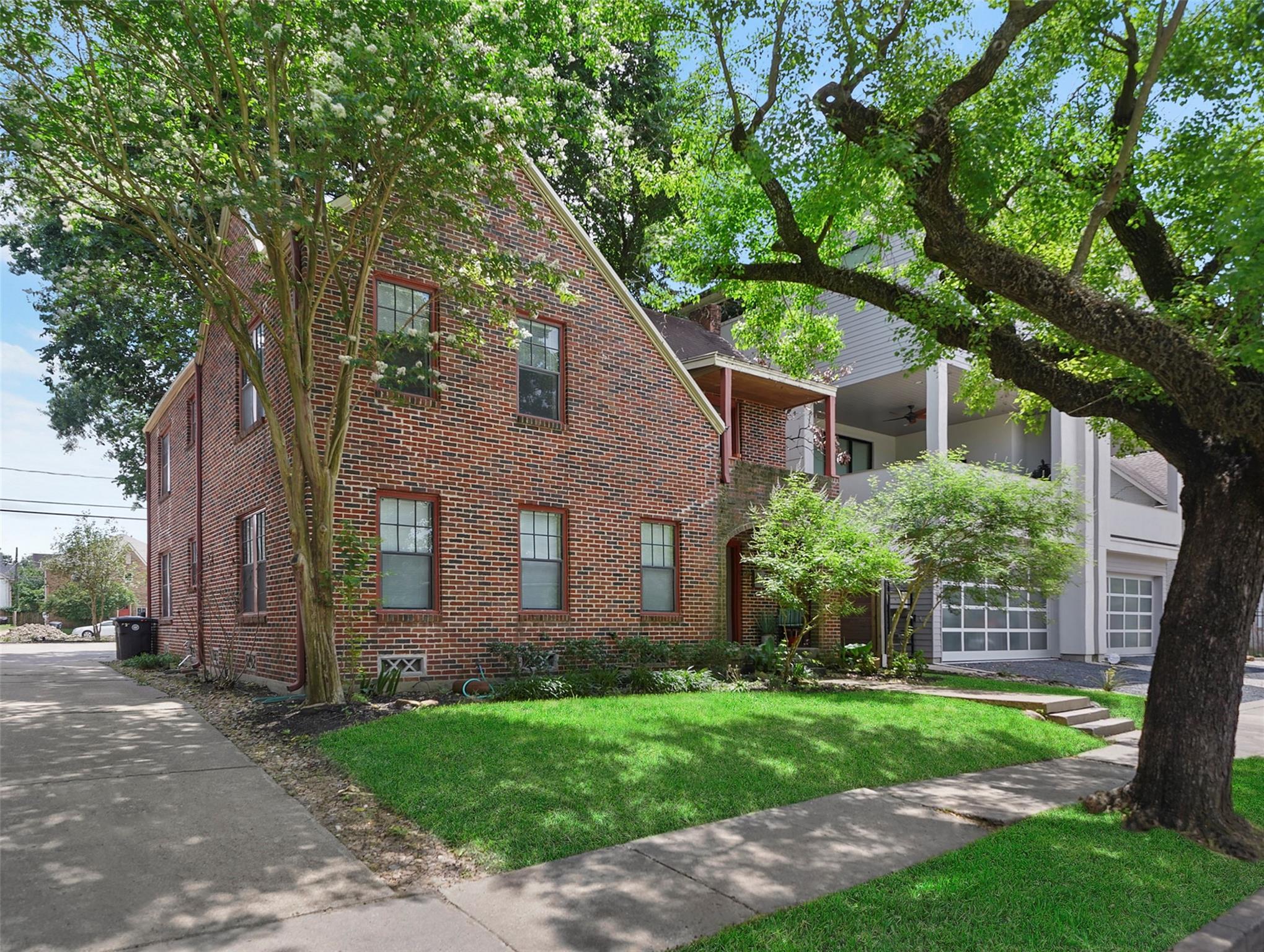 419 W Saulnier Property Photo