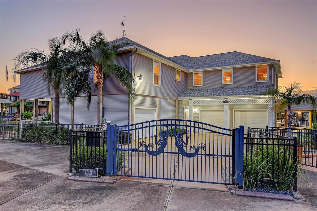 1715 Castaway Street, Tiki Island, TX 77554 - Tiki Island, TX real estate listing