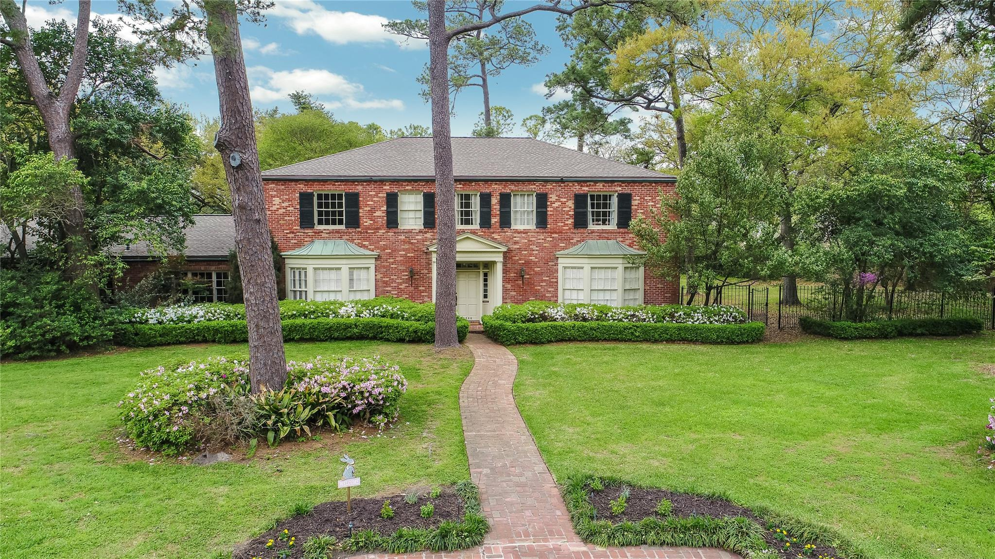 5360 Spring Park Street Property Photo - Houston, TX real estate listing