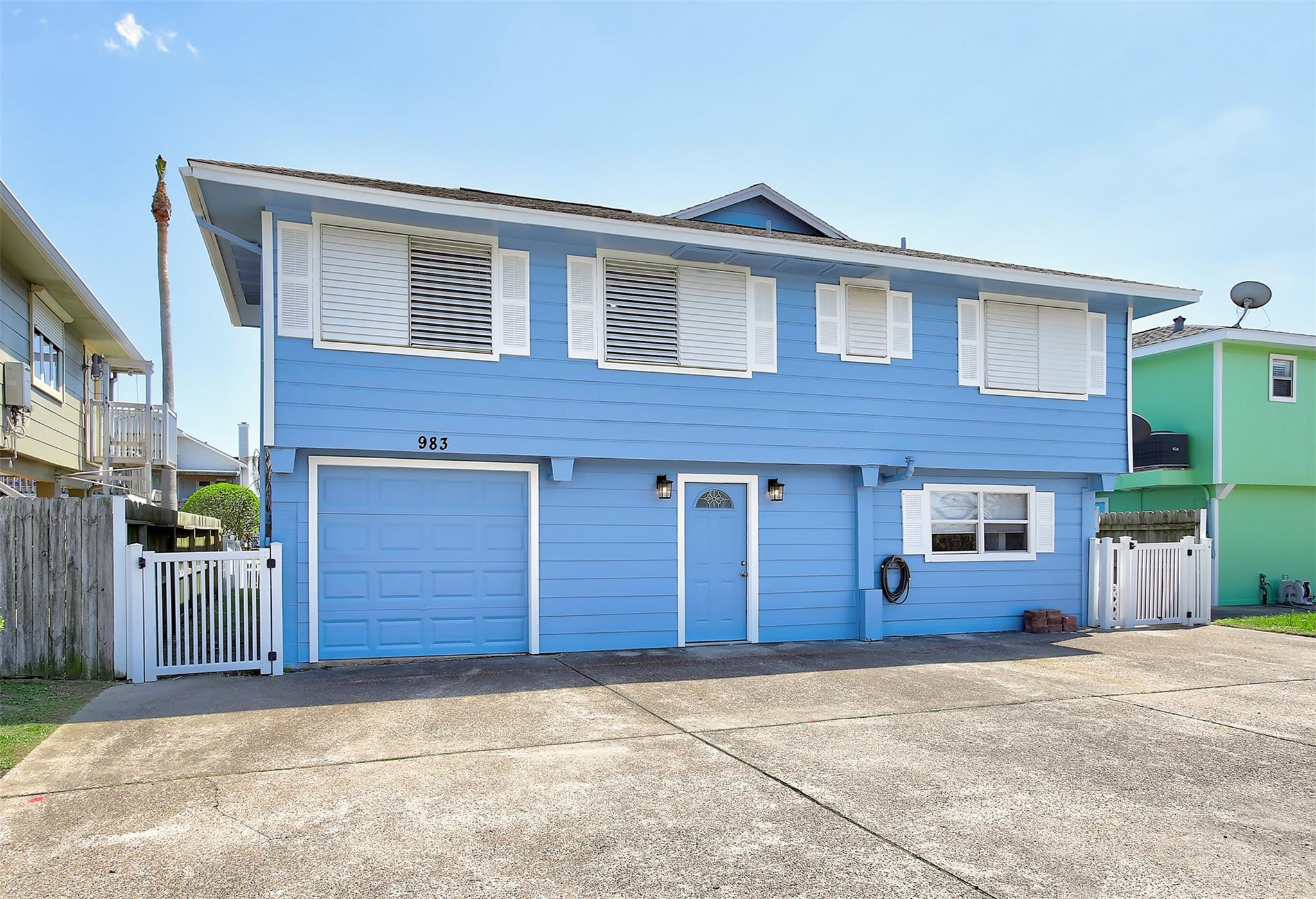 983 BONITA Street Property Photo - Bayou Vista, TX real estate listing
