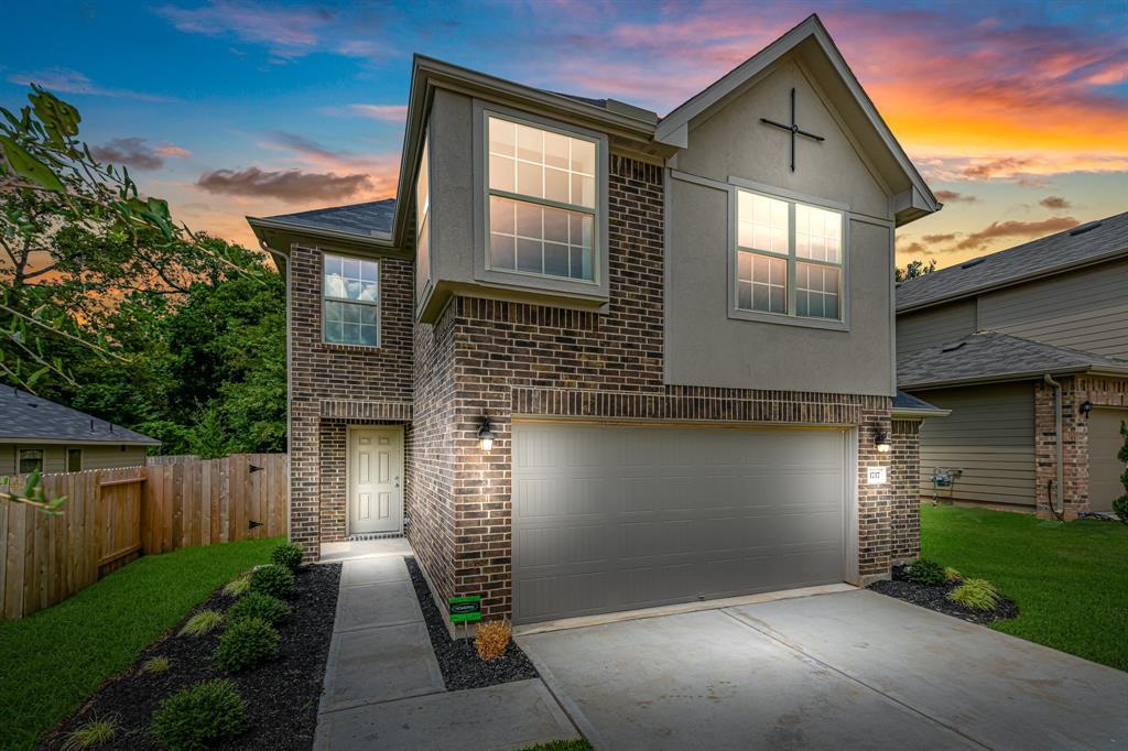 77301m Real Estate Listings Main Image