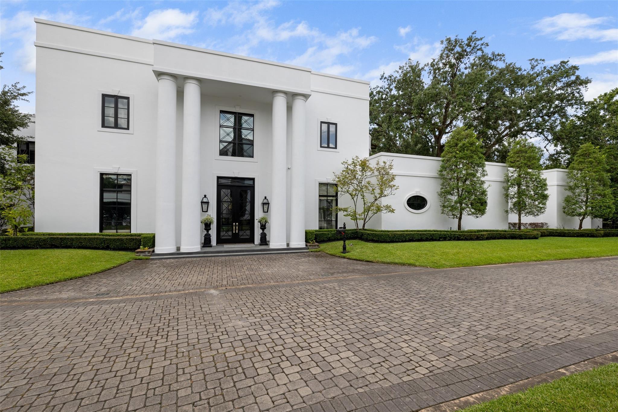 24 Crestwood Drive Property Photo 1