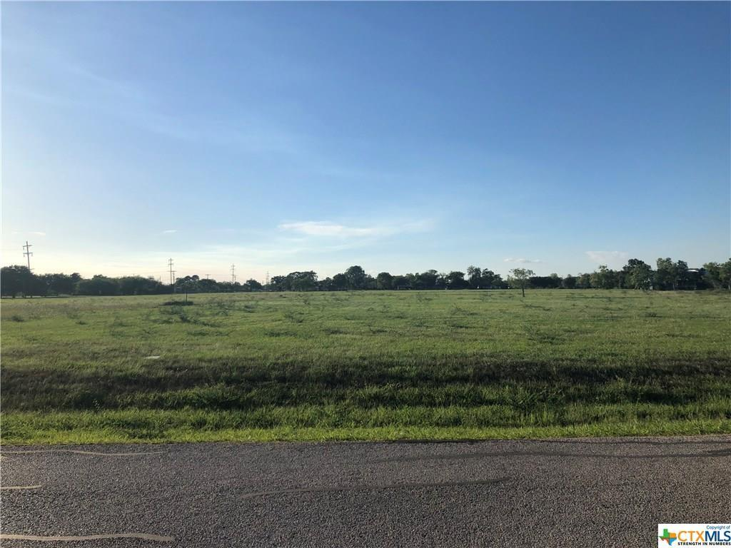 66 Wellspring Boulevard Property Photo - Victoria, TX real estate listing