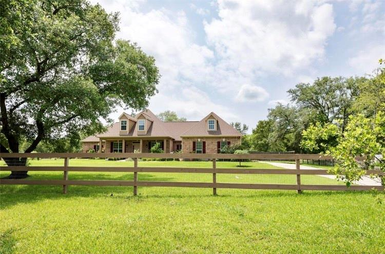 32018 Amberjack Drive Property Photo - Richwood, TX real estate listing