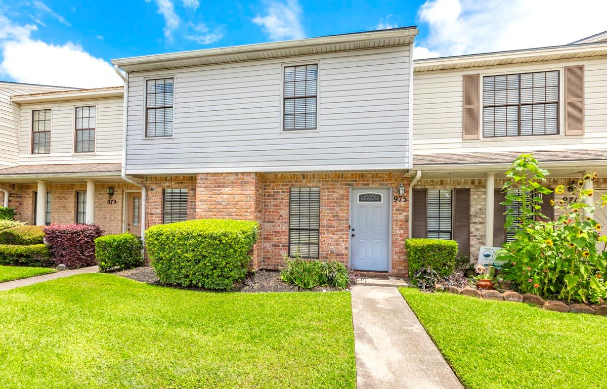 975 Sunmeadow Drive #16 Property Photo