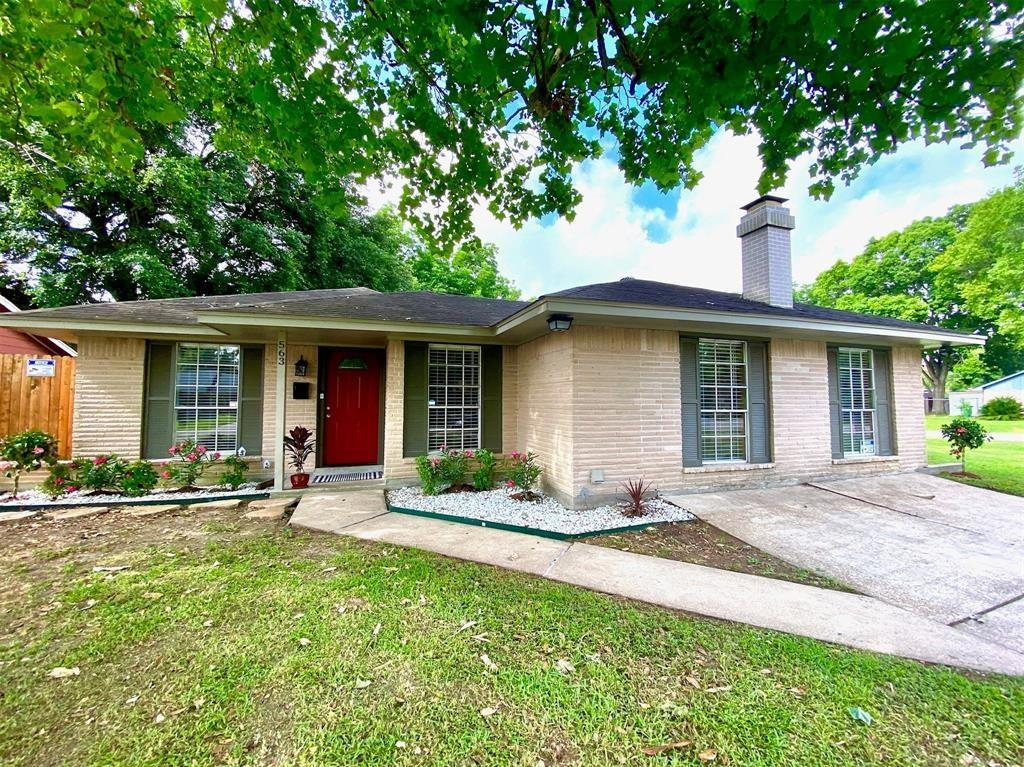 563 Twinbrooke Drive Property Photo - Houston, TX real estate listing