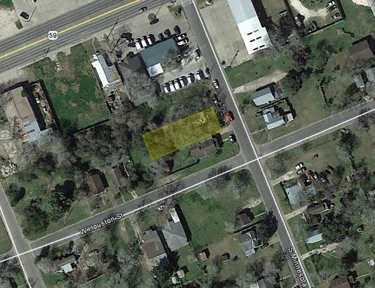 108 S Minnesota Street Property Photo - Beeville, TX real estate listing
