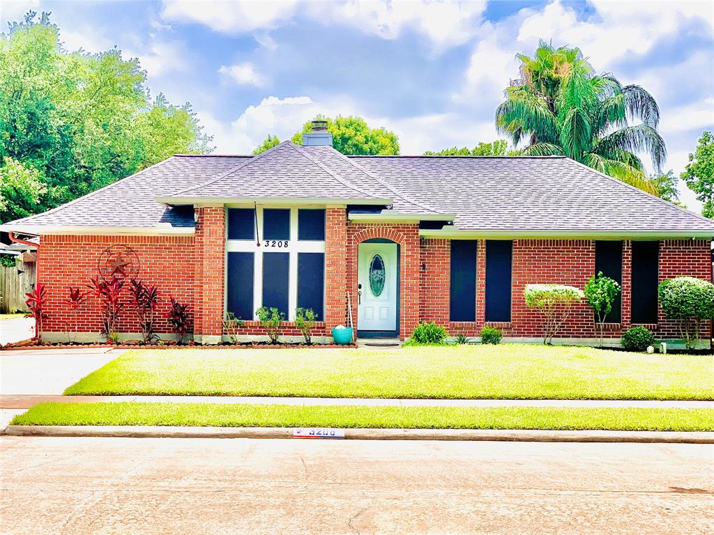 3208 Farmers Field Street Property Photo - Pearland, TX real estate listing