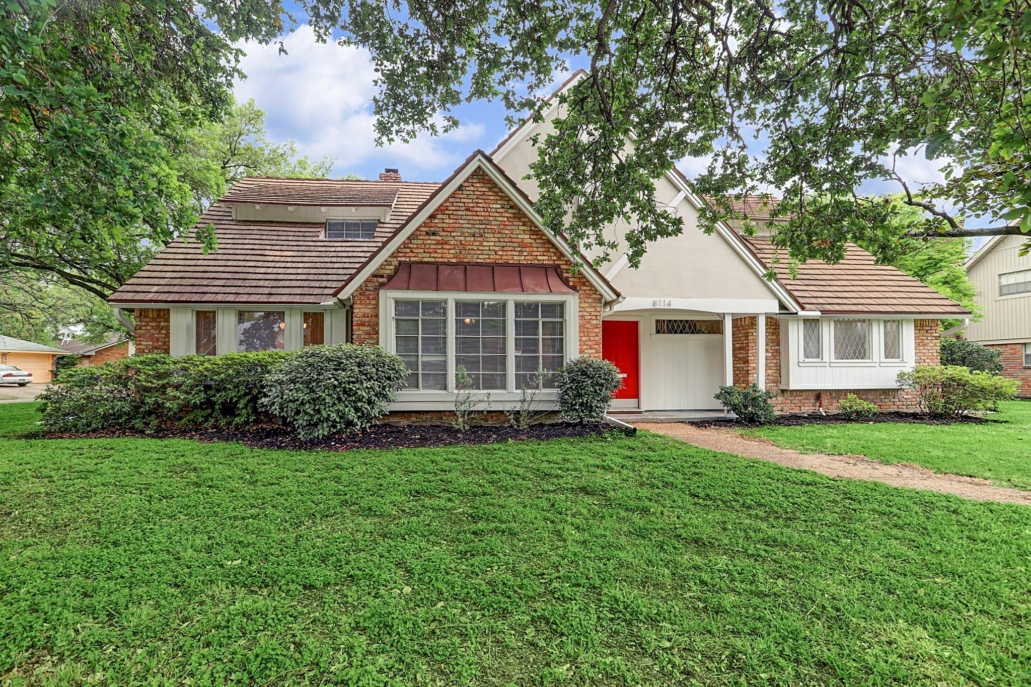8114 Glenloch Drive Property Photo - Houston, TX real estate listing