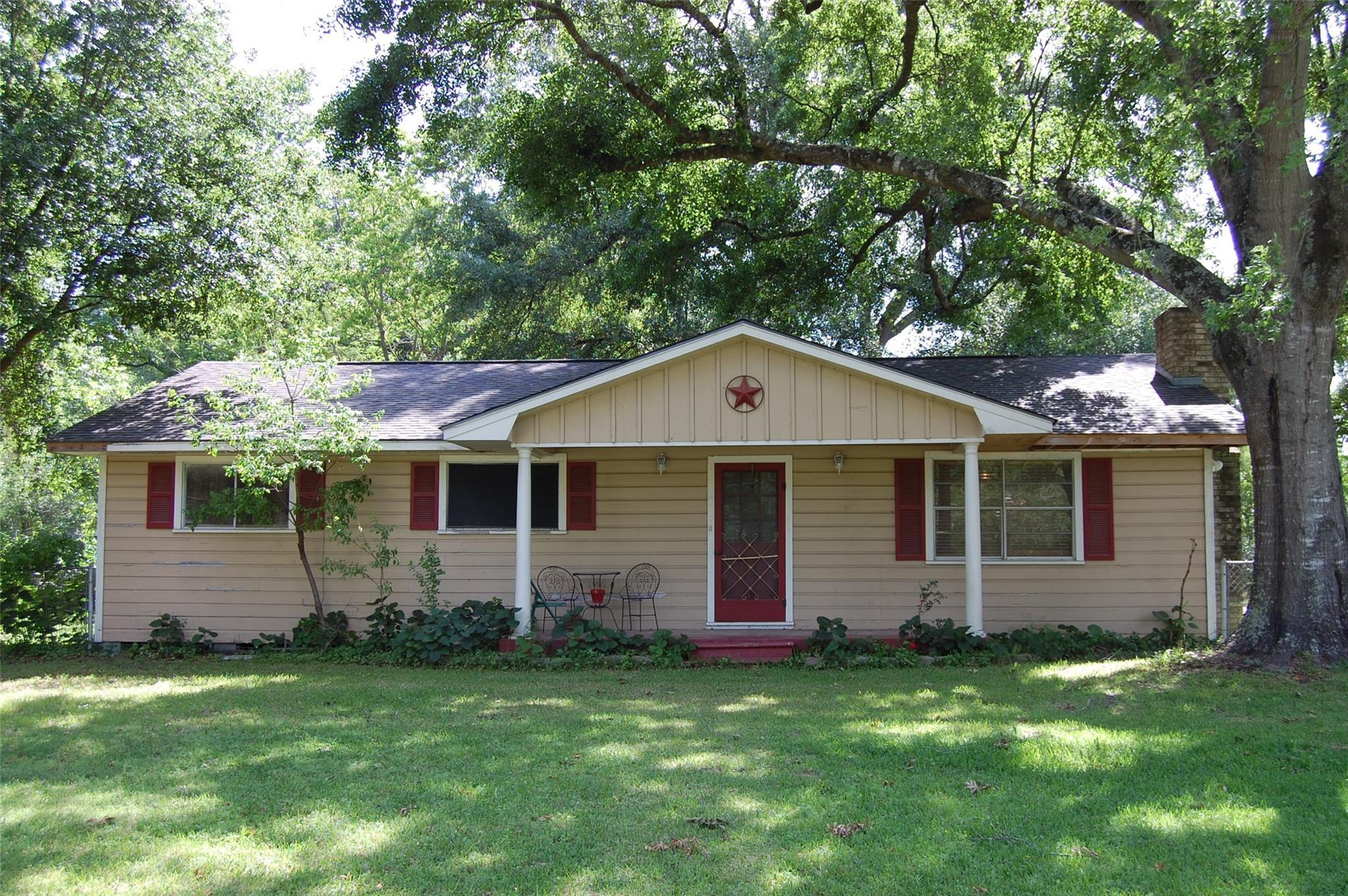 15335 Lake Lamond Road Property Photo