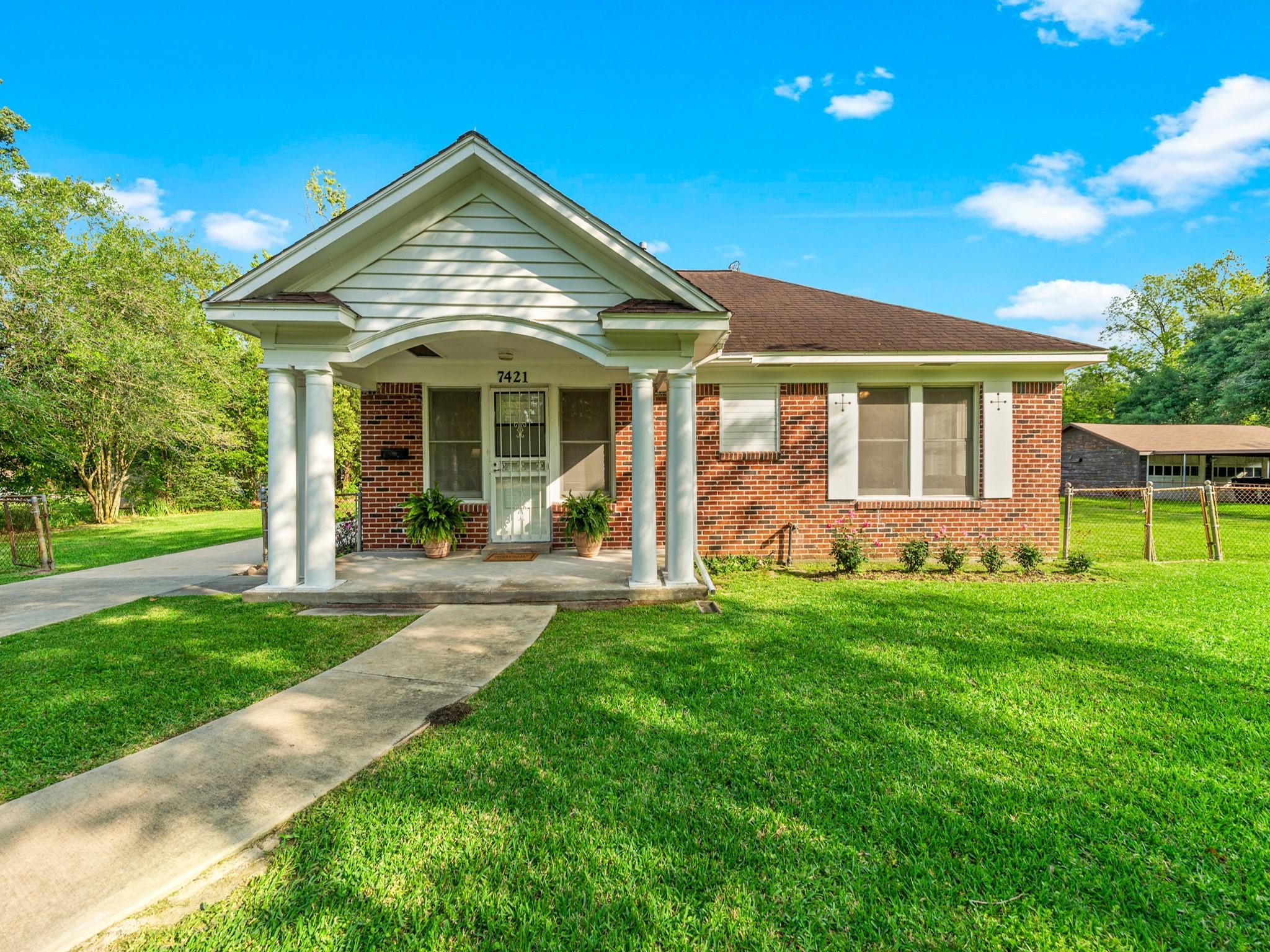 7421 Cayton Street Property Photo