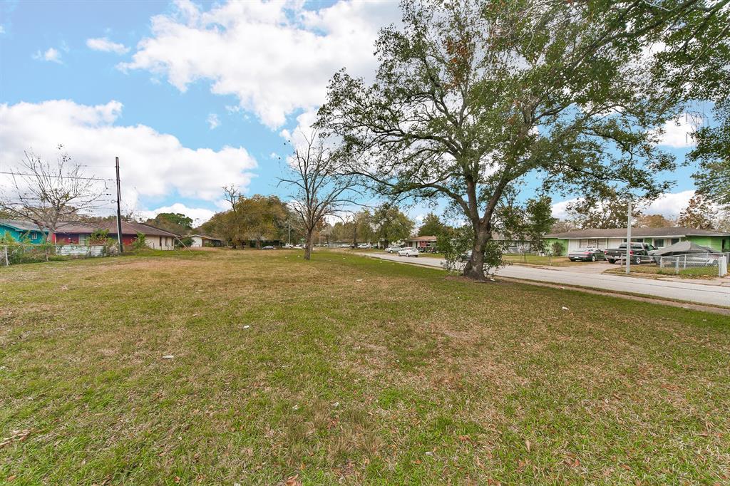 6063 Ridgeway Drive Property Photo