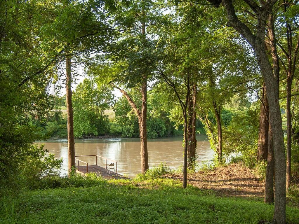3900 Manuel Loop, La Grange, TX 78945 - La Grange, TX real estate listing