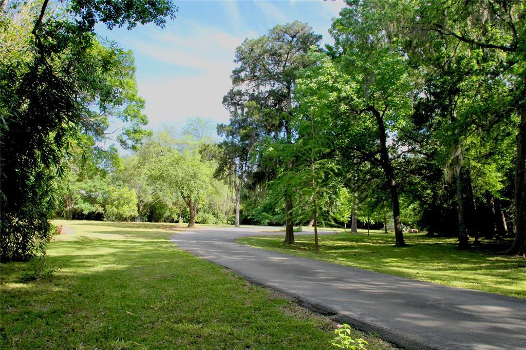 36 E Rivercrest Drive Drive Property Photo - Houston, TX real estate listing