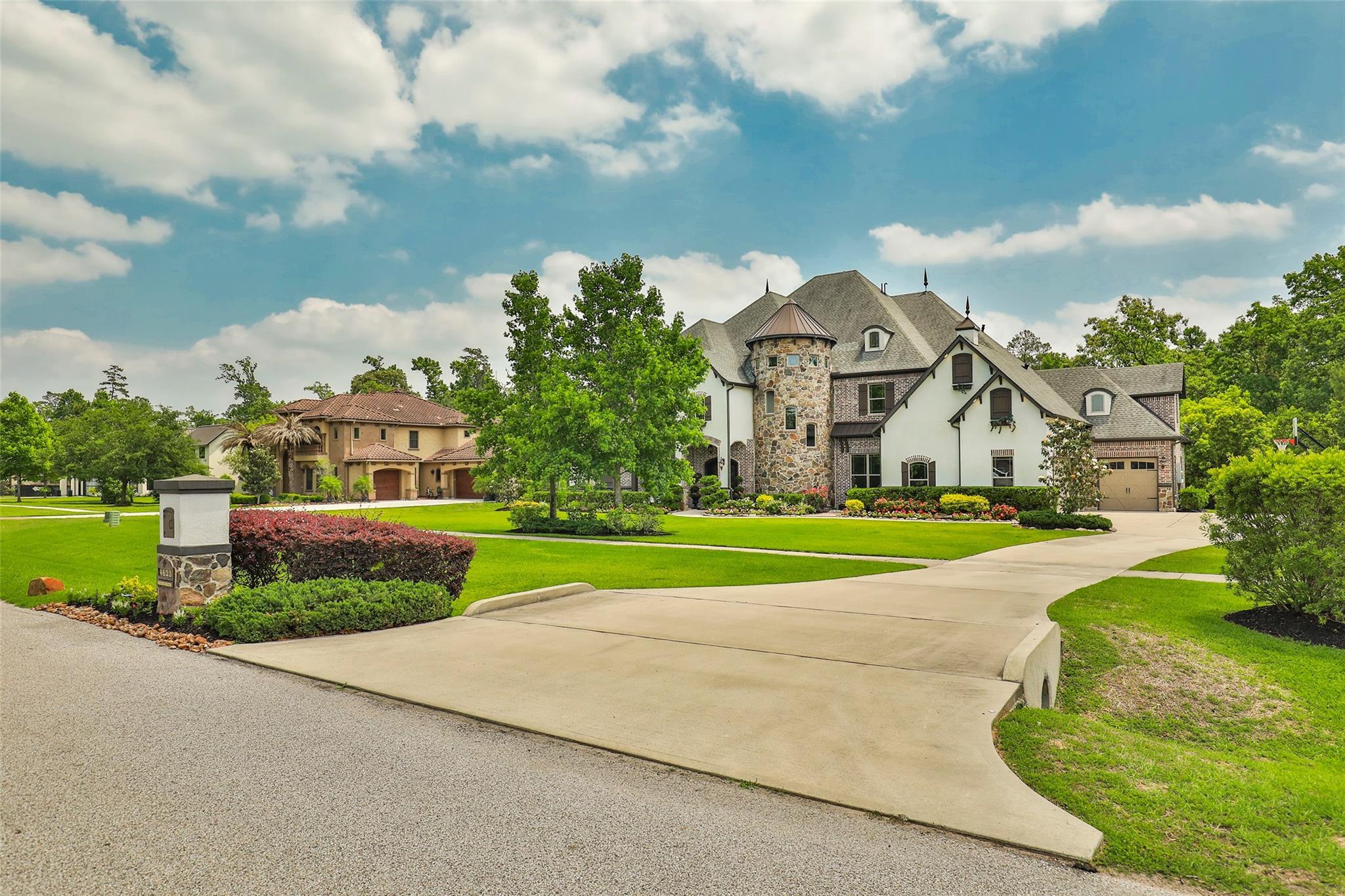 4623 Silver Jade Drive Property Photo