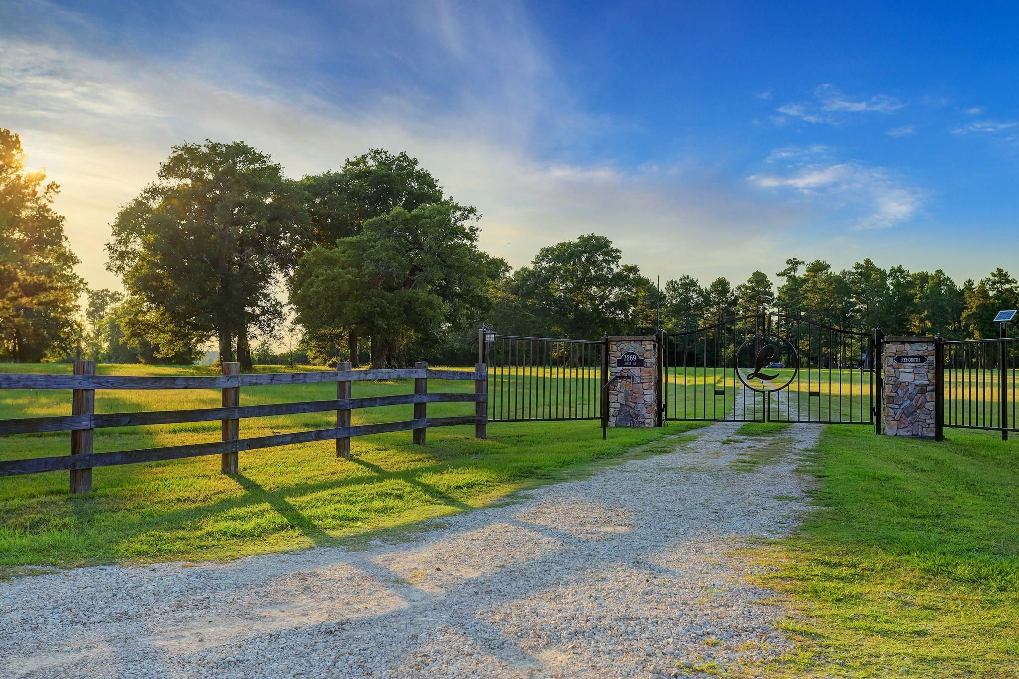 1269 Jones Road Property Photo - New Waverly, TX real estate listing