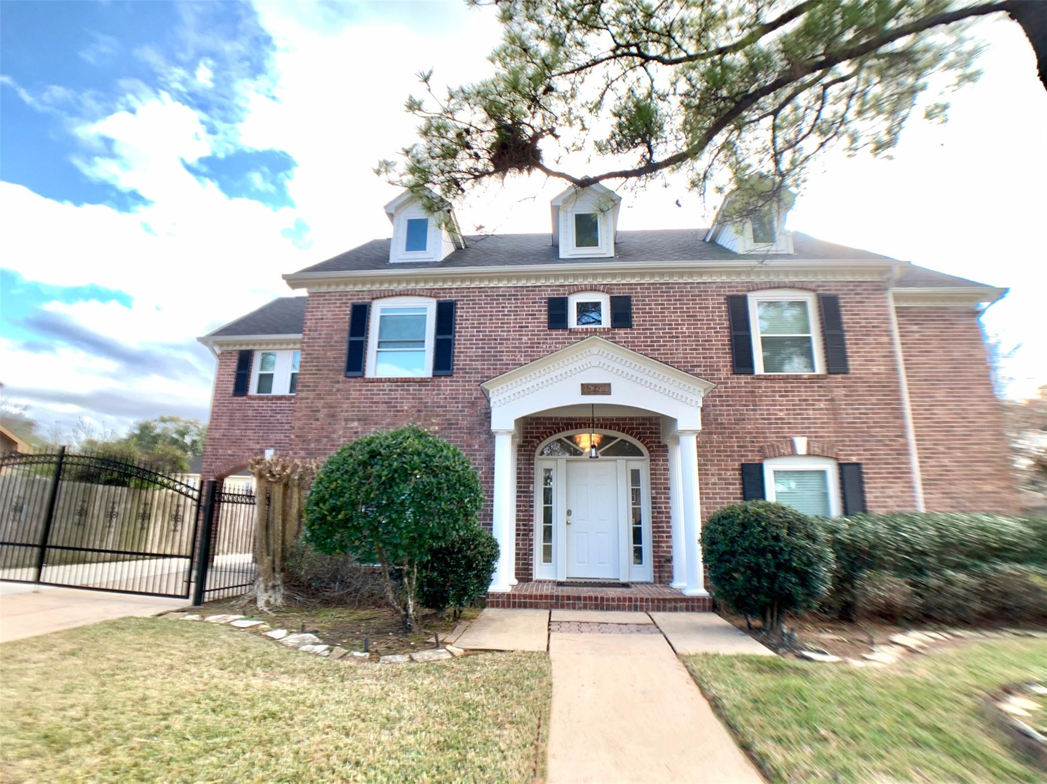 15031 N Rock Knoll Drive Property Photo - Houston, TX real estate listing