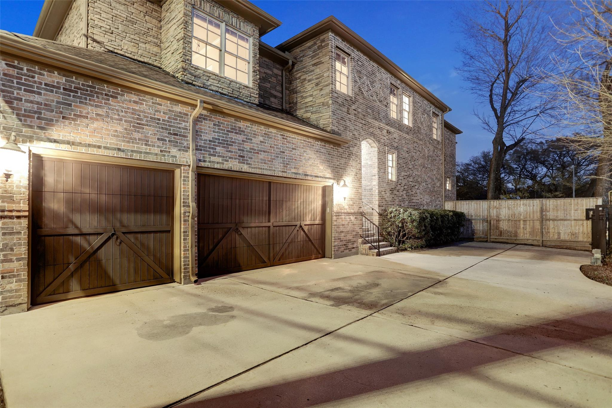 4718 Jason Street Property Photo 1