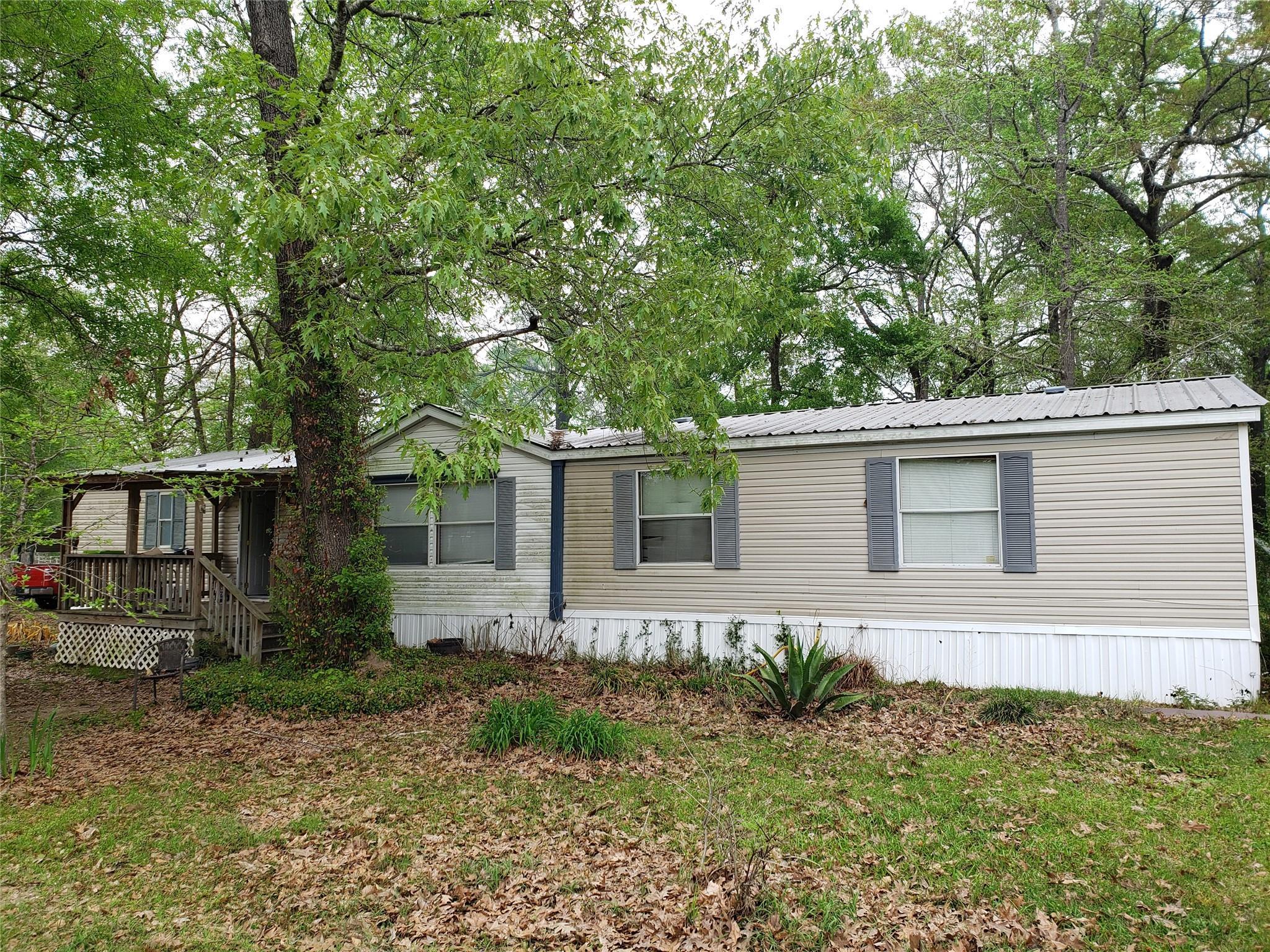 100 County Road 3310c Property Photo 1